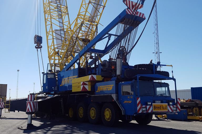Lifting services with mobile cranes Havator
